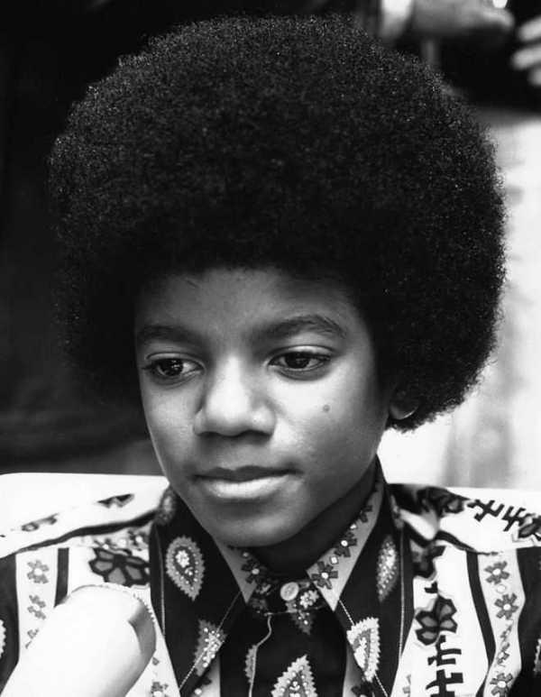 Как изменялось лицо Майкла Джексона на протяжении многих лет 22